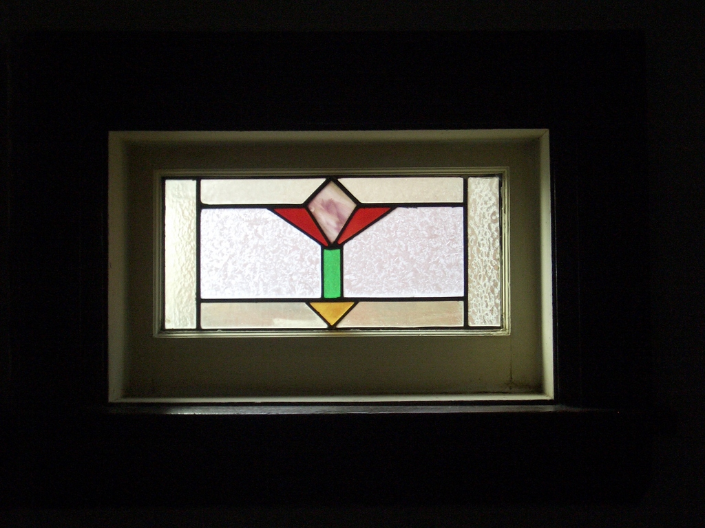 Art deco stained glass window image 1024x768 pixels for Art deco glass windows