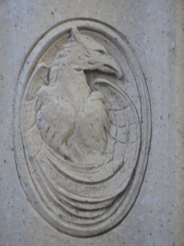 [Picture: Stone gryphon]