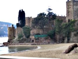 [picture: castle 3]
