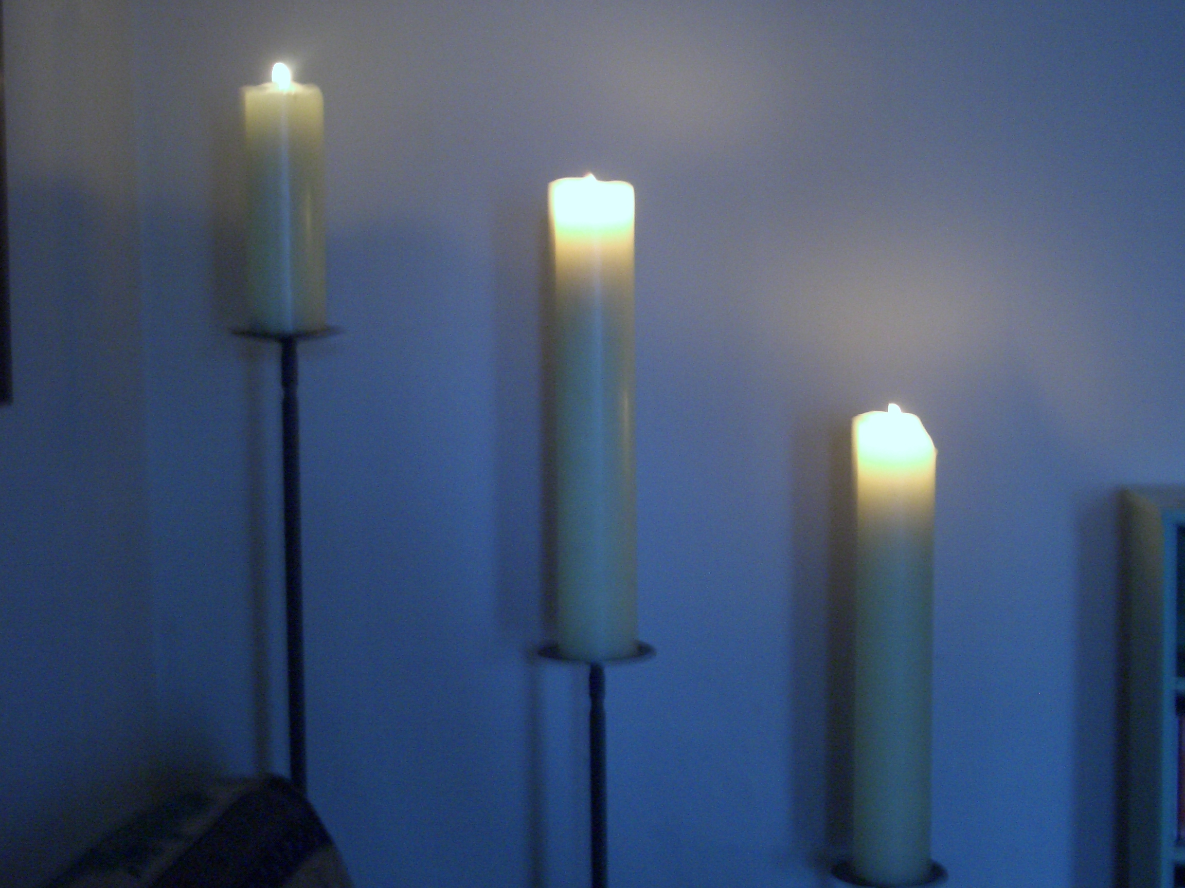 [Picture: Burning candles 2]