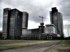 [picture: Curvy Buildings 3]