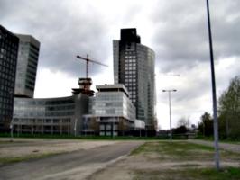 [picture: Curvy Buildings 4]