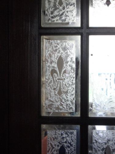 [Picture: Fleur-de-lys window 2]