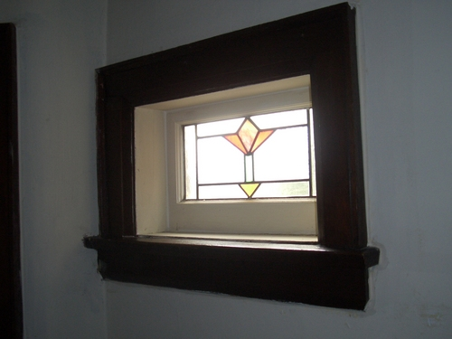 [Picture: Art deco stained glass window 4]