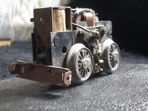 [Picture: Motor for model railway engine 3]