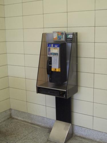 [Picture: Public Telephone]