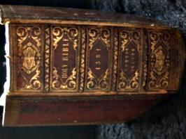 [picture: Geneva Bible spine]