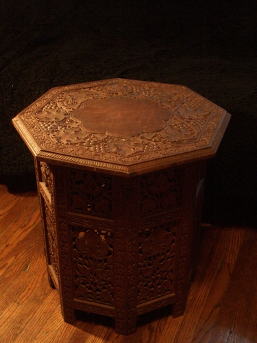 [Picture: Octagonal Table 3]