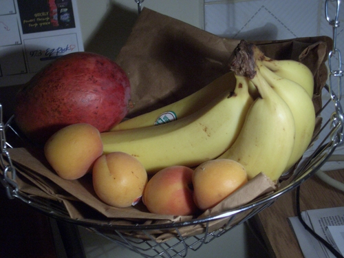 [Picture: Fruit basket 2]