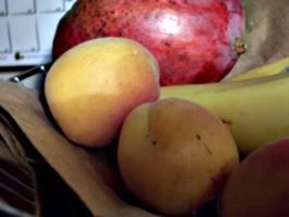 [Picture: Fruit basket 4]