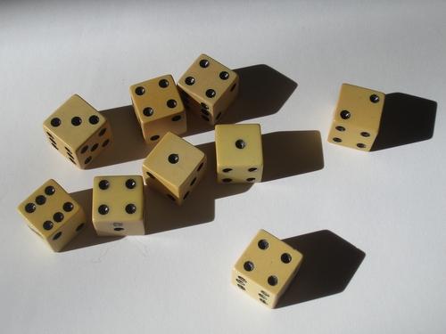 [Picture: ivory gaming dice 3]