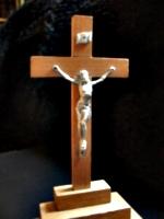 [Picture: Crucifix 3]