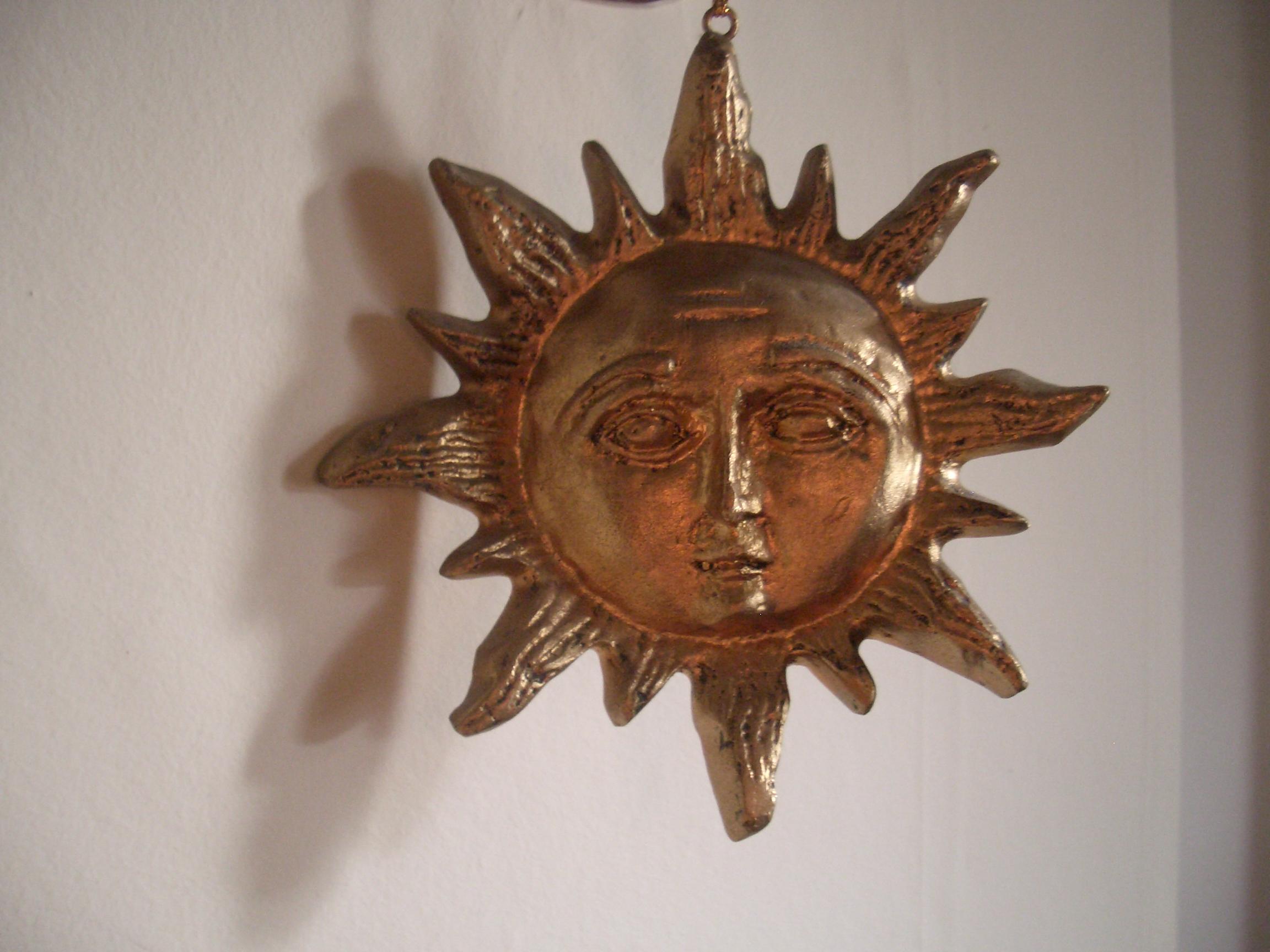 [Picture: Decorative Sun Ornament 2]