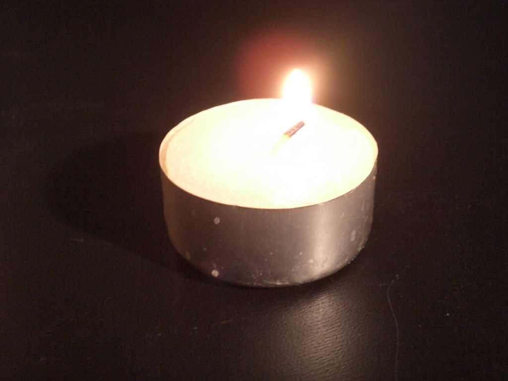[Picture: Tea Candle 4]