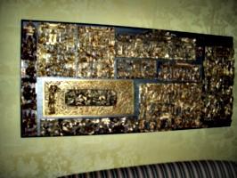 [Picture: Shiny Metal Plaque]
