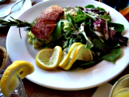 [picture: Salmon with Salad 2]