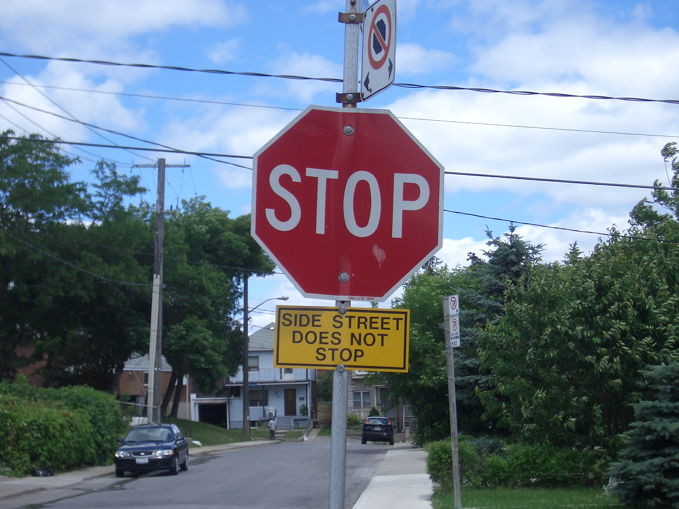 [Picture: Side Street Does Not Stop]