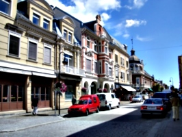 [picture: Norwegian street]