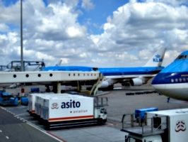 [picture: More KLM aeroplanes]