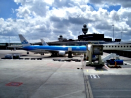 [picture: Amsterdam Sciphol Airport]