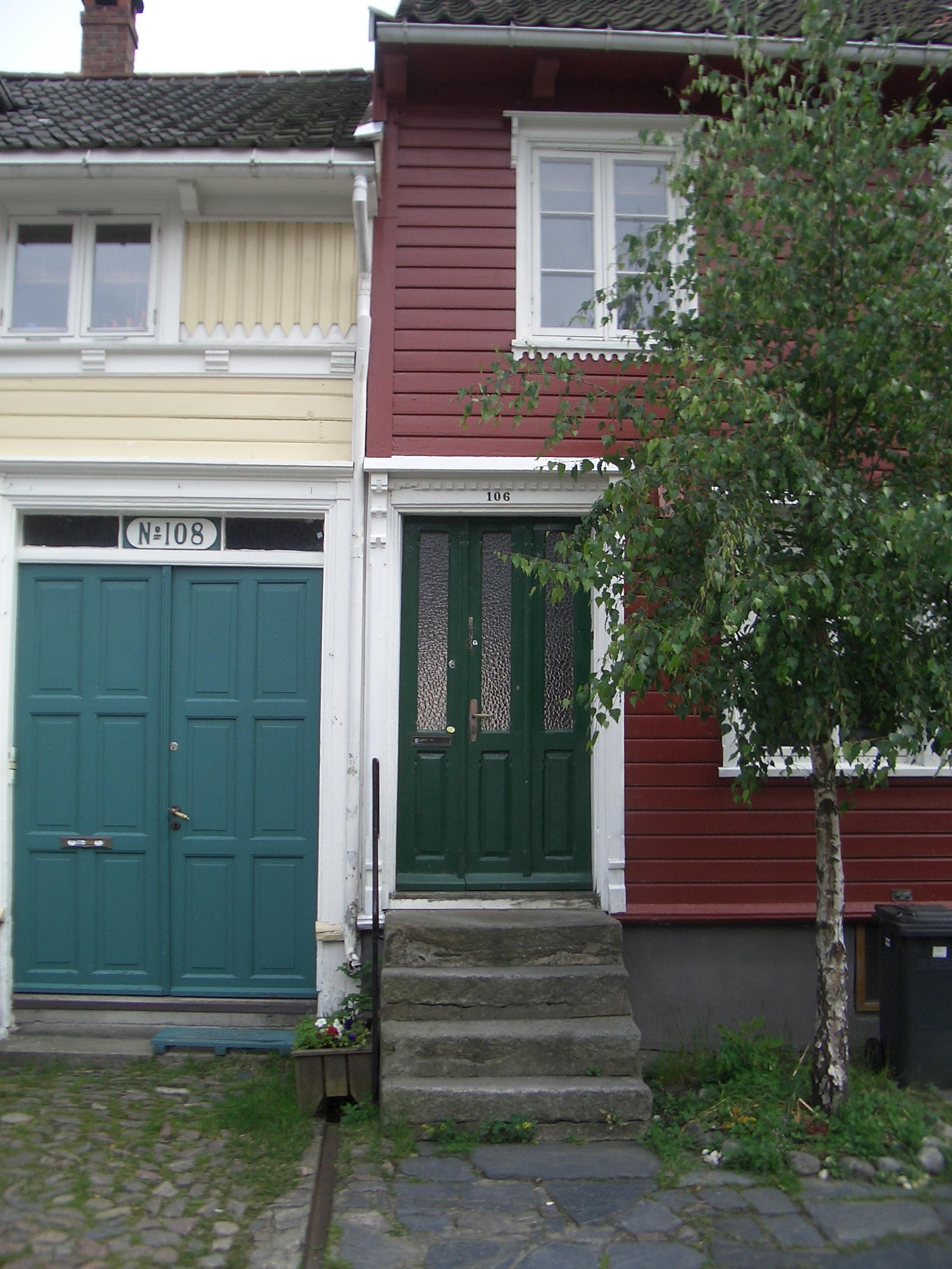 [Picture: Green Door]