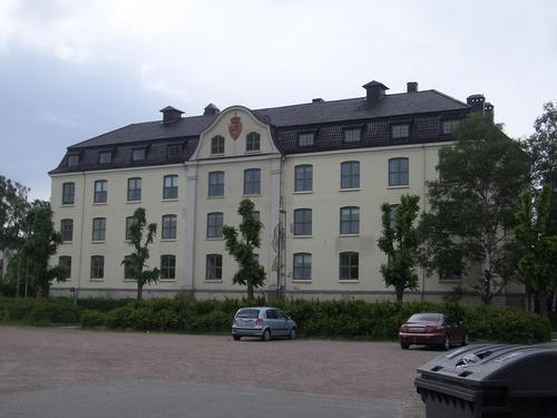 [Picture: Larger building]