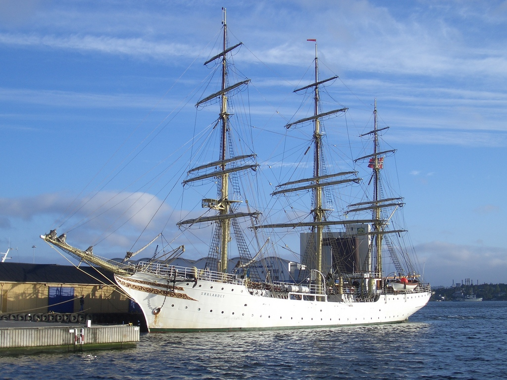 [Picture: Sailing ship 5]