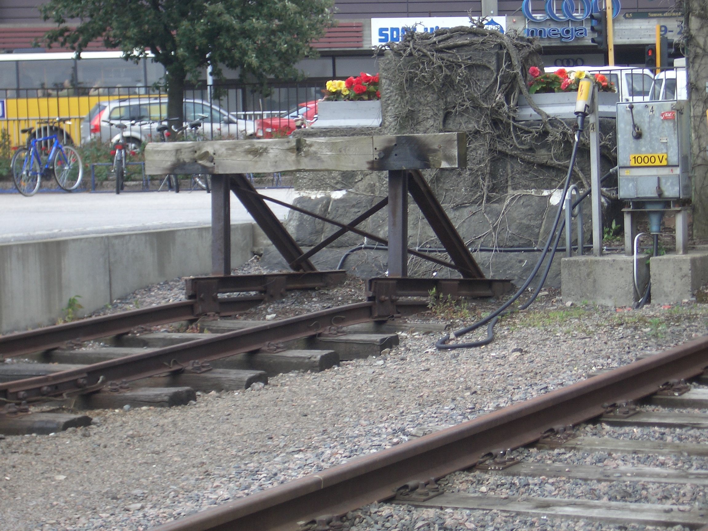 [Picture: Buffers at the end of the siding]