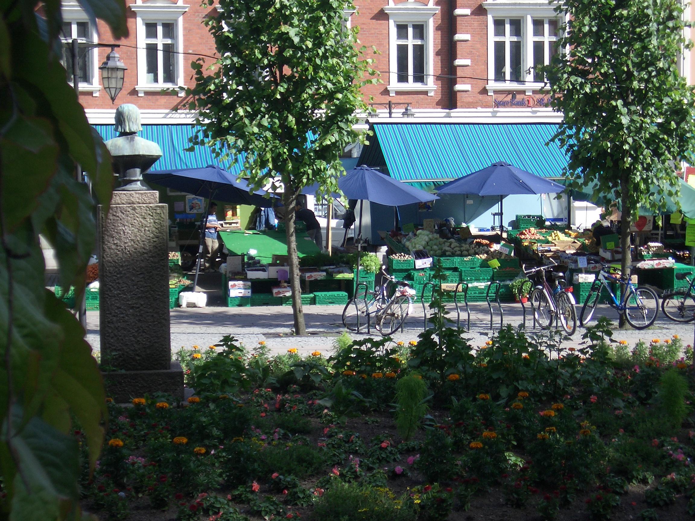 [Picture: Market]
