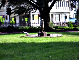 [Picture: statue of urinating boy]