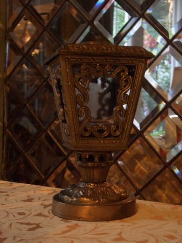 [Picture: Ornate lantern]