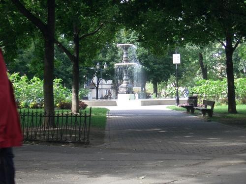 [Picture: Fountain in sunlight 4]