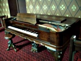 [picture: Square piano]