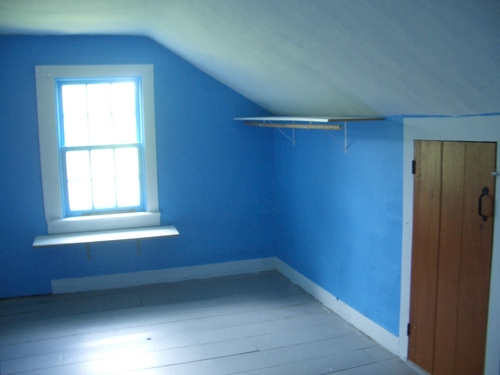[Picture: Blue Room]