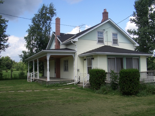 [Picture: North American House]