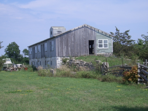 [Picture: Wooden barn]
