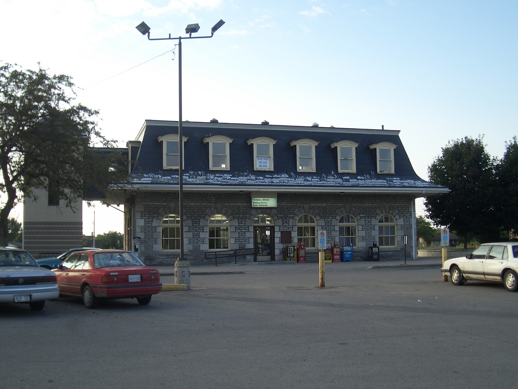 [Picture: Belleville Railway Station]