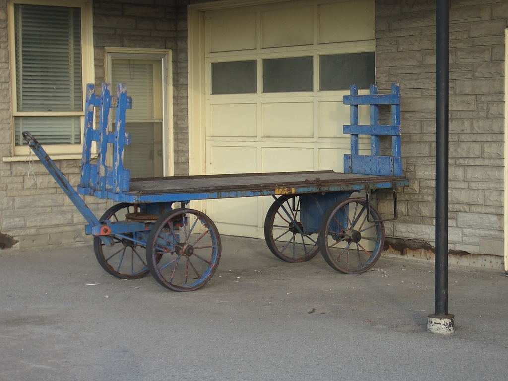 [Picture: Luggage cart]