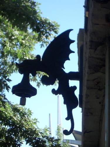 [Picture: Gargoyle lamp 5]