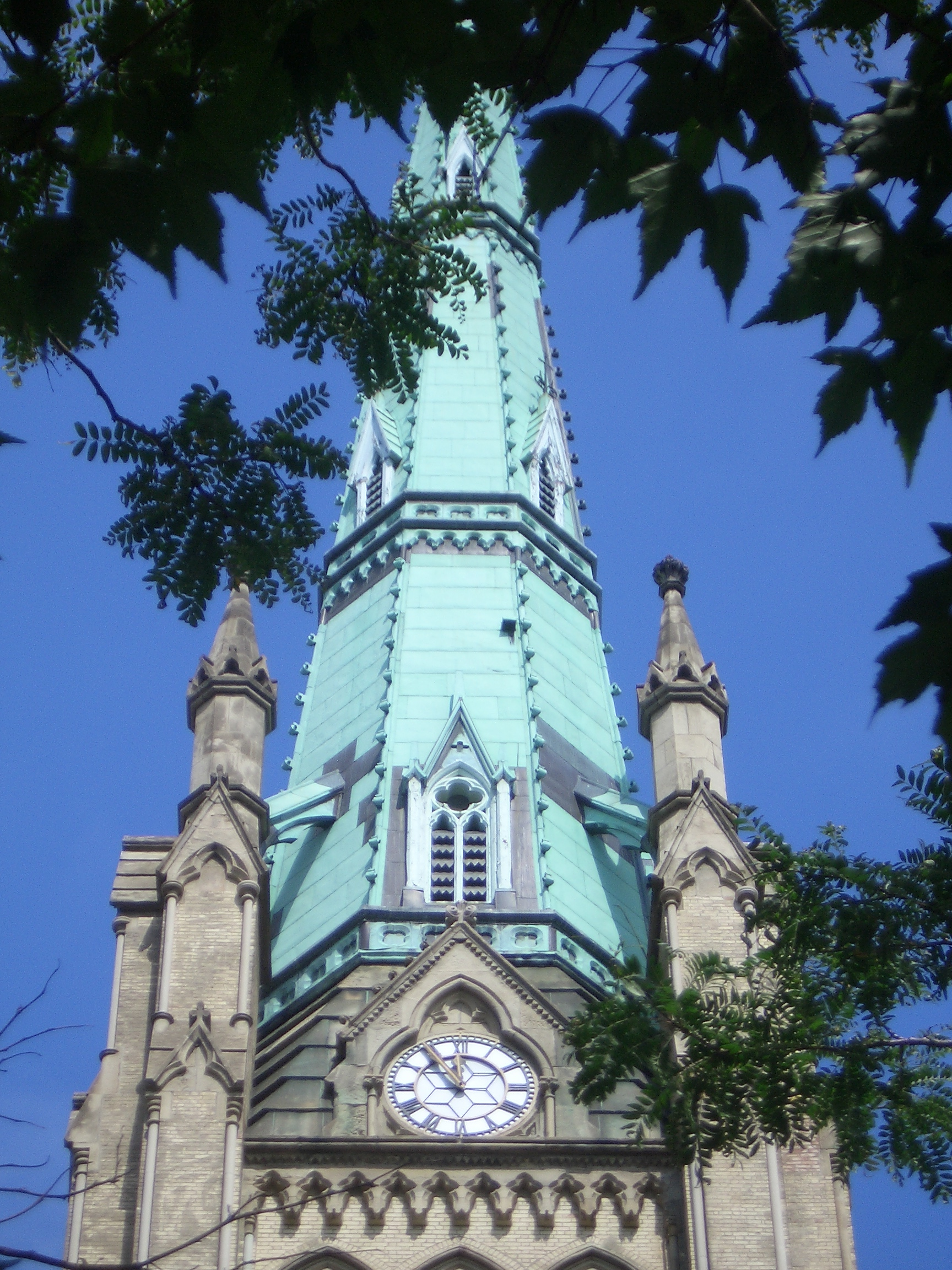 [Picture: St James Cathedral vertical panorama element 25]