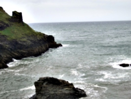 [picture: Ruins of Tintagel Castle 15: Looking out to sea]