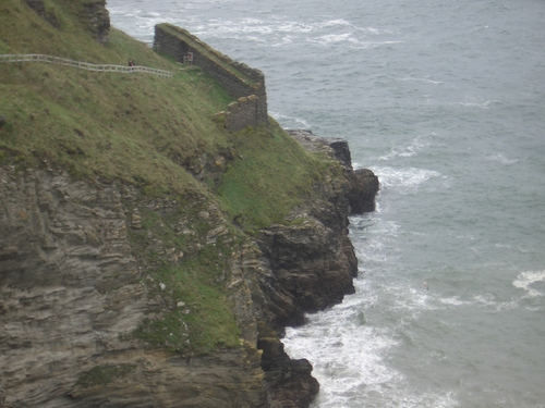 [Picture: Ruins of Tintagel Castle 8: Down to the sea]
