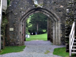[picture: Restormel Castle 32: looking out of the main gate]
