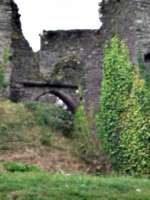 [Picture: Restormel Castle 2: Grassy bank]
