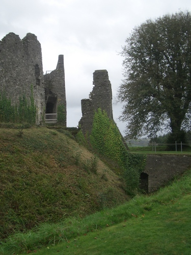 [Picture: Restormel Castle 4: The Gatehouse 2]