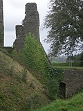 [Picture: Restormel Castle 5: The Gatehouse 3]