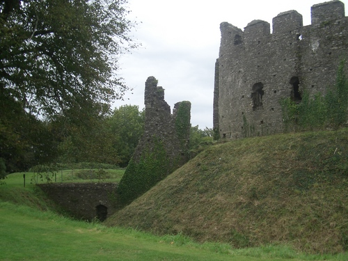 [Picture: Restormel Castle 39: Gatehouse from the other side 2]