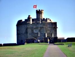 [picture: Pendennis Castle 10: The castle keep]