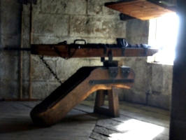 [picture: Pendennis Castle 39: cannon]