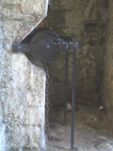 [Picture: Pendennis Castle 5: Drawbridge winch]